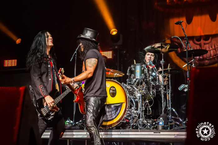 Live @ le Zénith de Paris, France. November 13th 2014. Slash, Myles Kennedy, Todd Kerns, Frank Sidoris & Brent Fitz. © copyright Mat Ninat Photography - all rights reserved