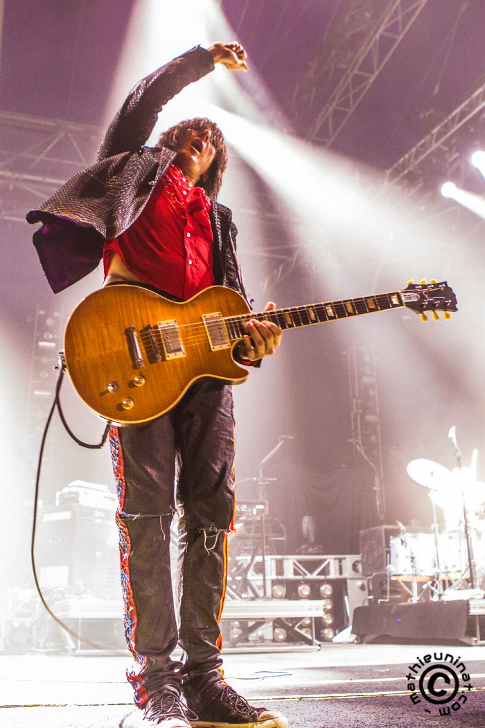 The Dead Daisies. Opening for Kiss. World Tour. June 16th 2015. Live at Zénith de Paris, France. David Lowy – rhythm guitar, Richard Fortus – lead guitar, Dizzy Reed – keyboards, Marco Mendoza – bass, John Corabi – lead vocals, Brian Tichy – drums. © Mat Ninat Photography